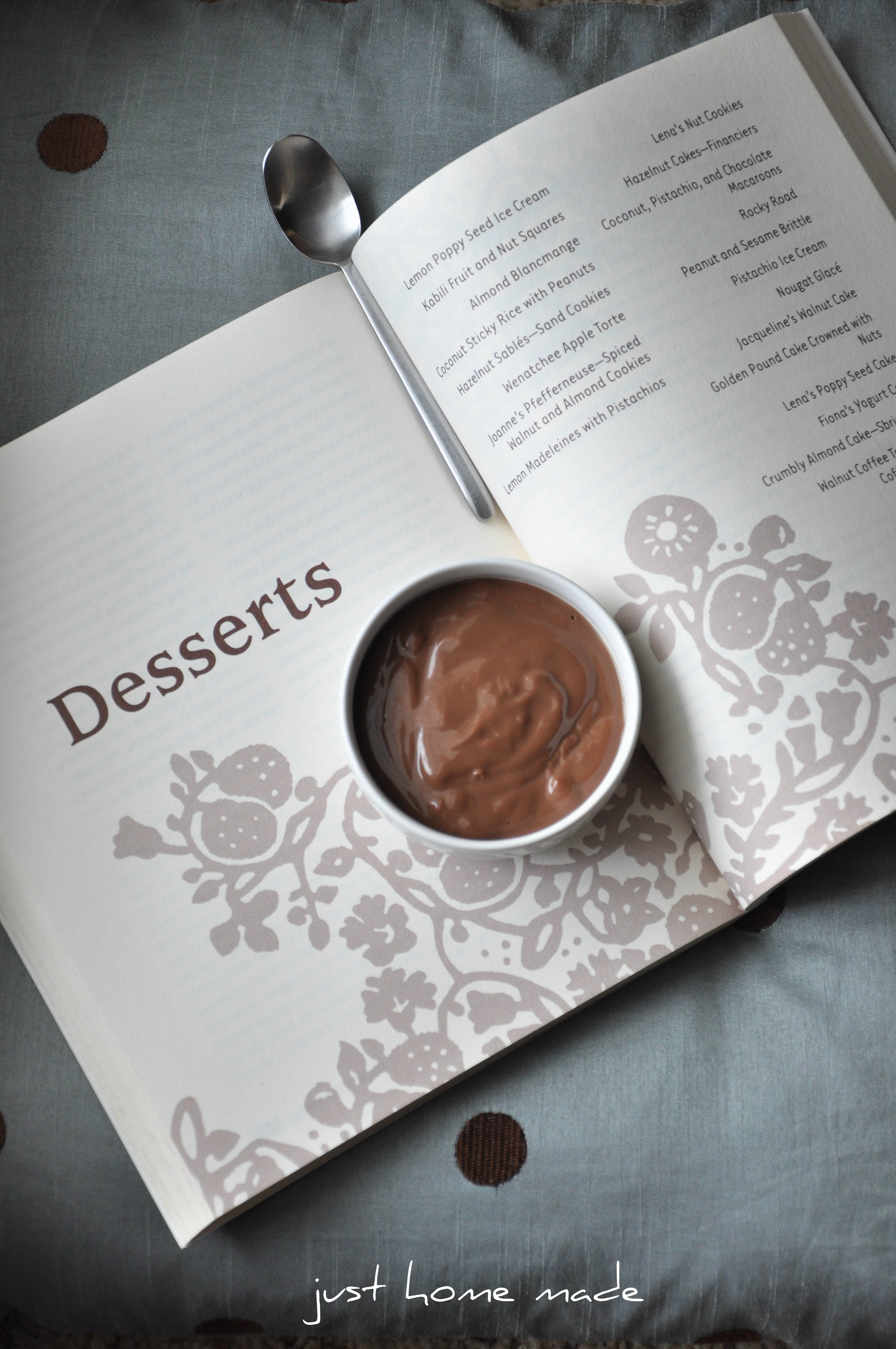 Easy Eggless Chocolate Pudding - Just Homemade
