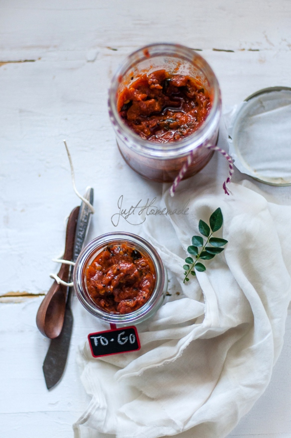 Andhra Tomato pickle to go