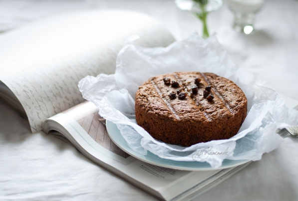 Prune Cake hori