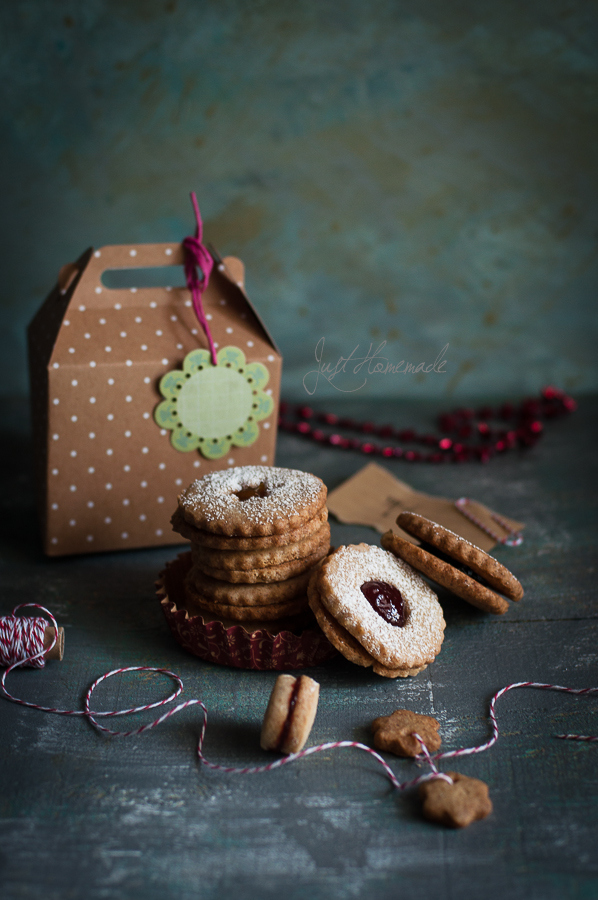 linzer cookies goodie bag