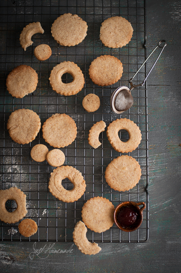 linzer cookies on wire rack